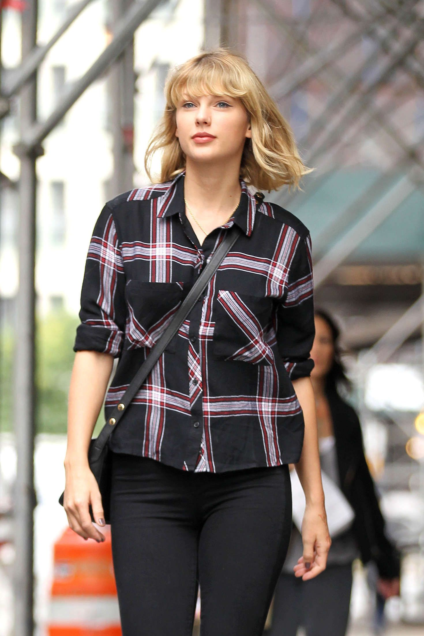 Taylor Swift ~ Leaving Her Tribeca Apartment in New York ...
