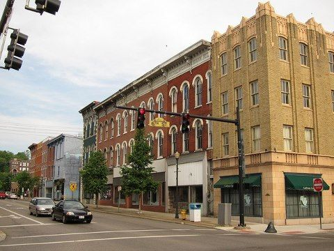Downtown Zanesville My Favorite Town In Ohio Super Charming Atmosphere With Great Antiques Shops Zanesville Ohio Zanesville The Buckeye State