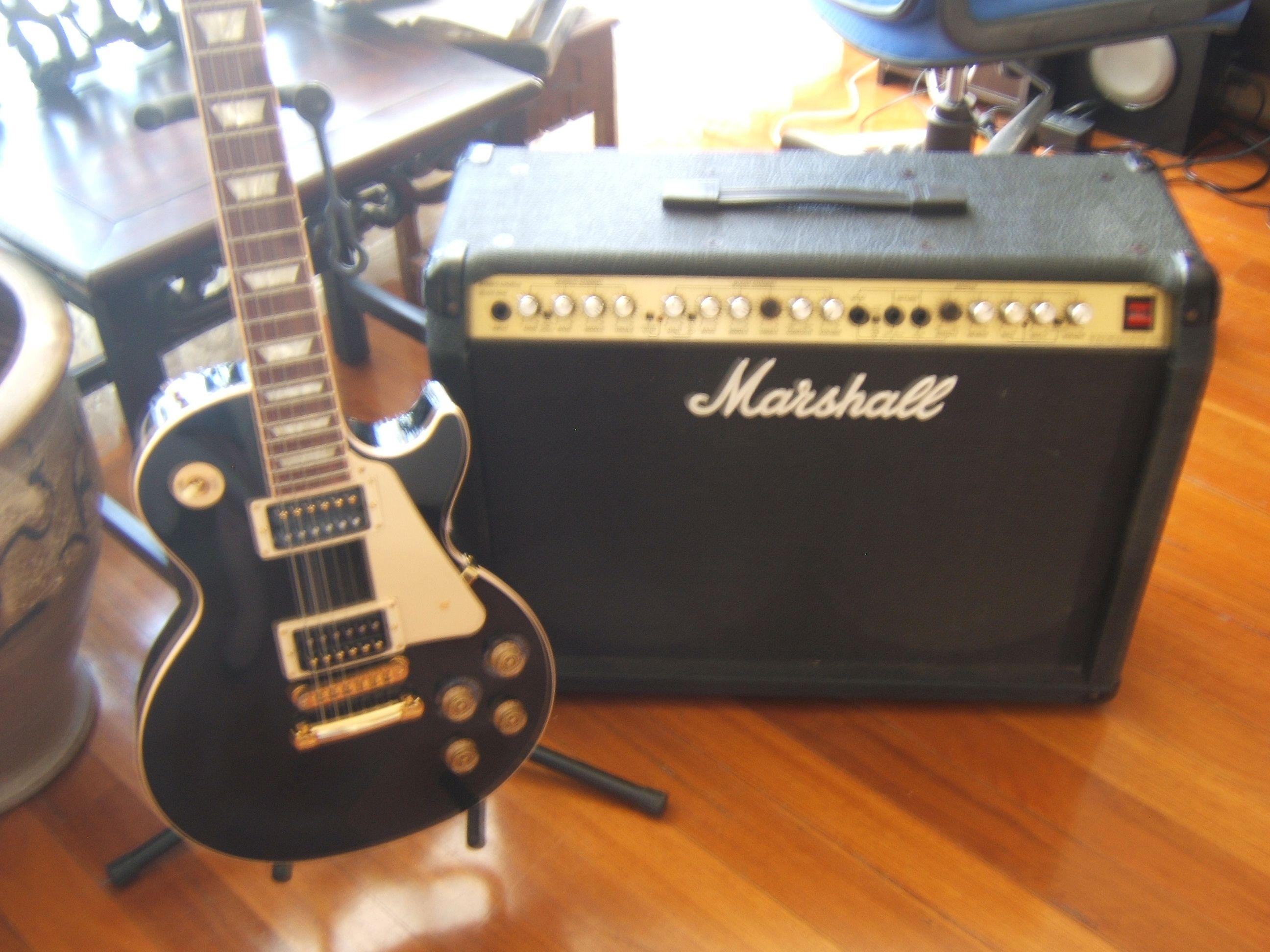 My Gibson Les Paul & Marshall 100 Watt amp