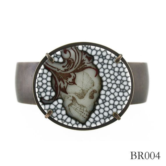 Glass skull bracelet | Melanie Ungvarsky