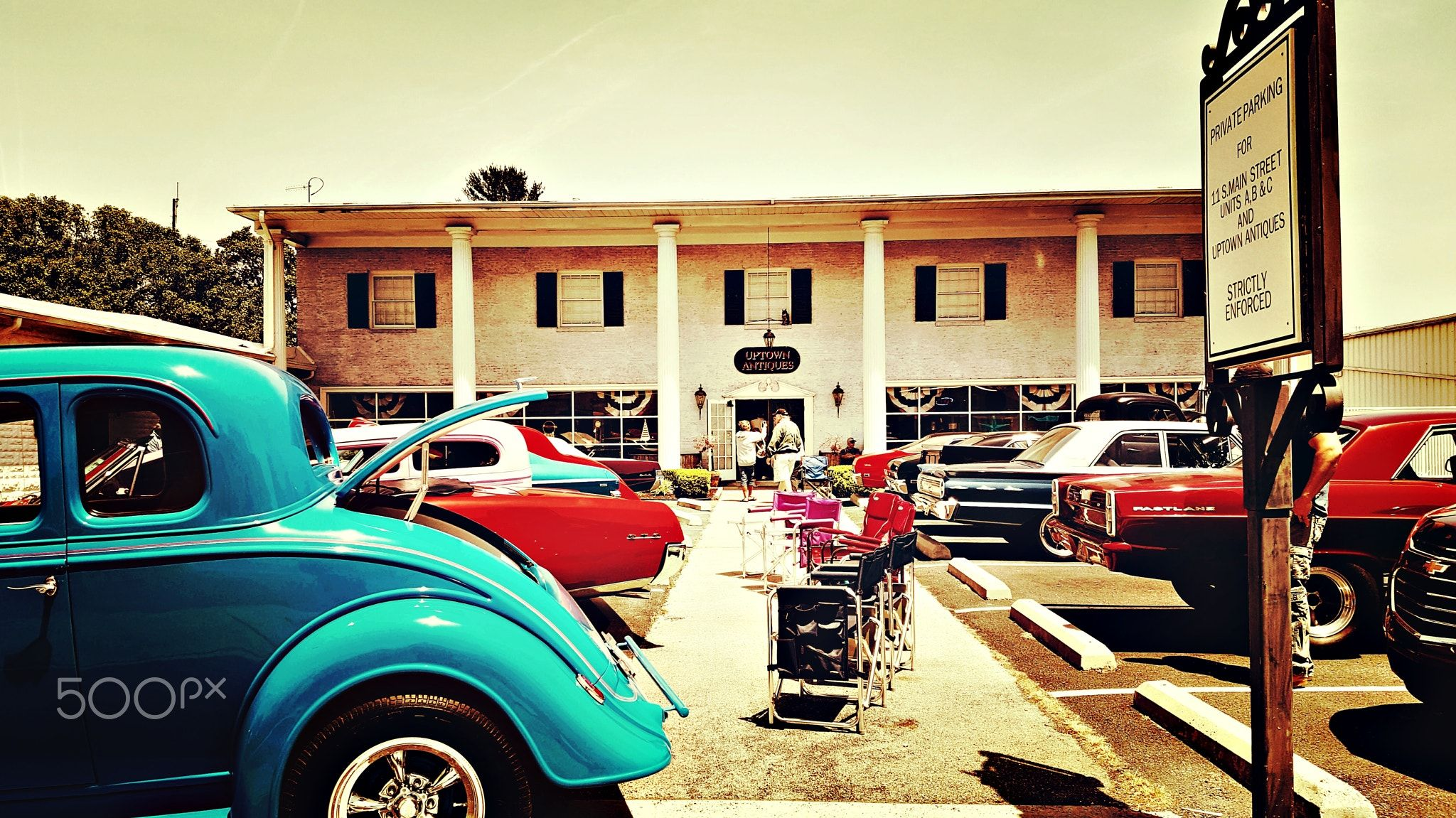 Car show in downtown Berlin, Maryland - Spring Cruisers show on ...