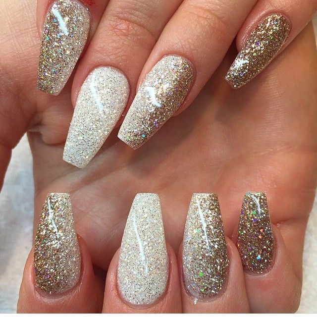 Glitter nails gold and white - Instagrin Coffin Nails, Designs Nail Art And Nail Salons