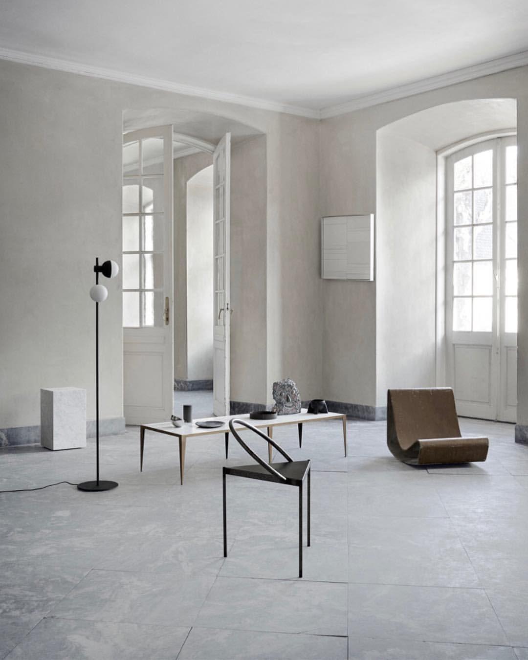 Chair As Sculptur Interior Minimalist Home Interior Interior Design