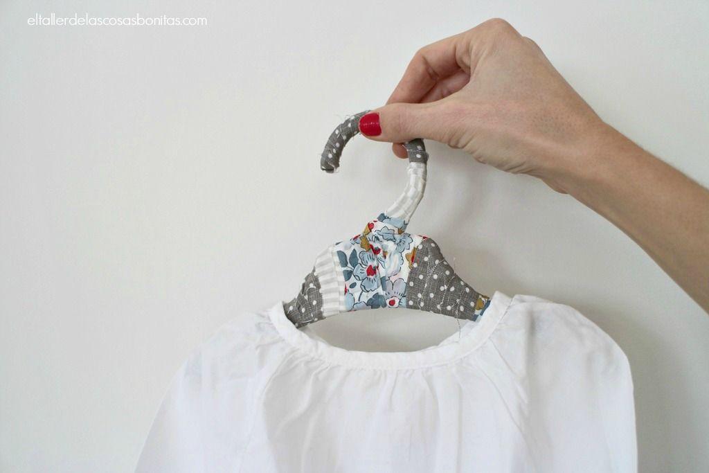 Como forrar perchas para ni os diy lined hanger - Perchas para bebes ...