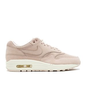 uk availability e7e08 8ff22 Flight Club is the world s number one sneaker marketplace.
