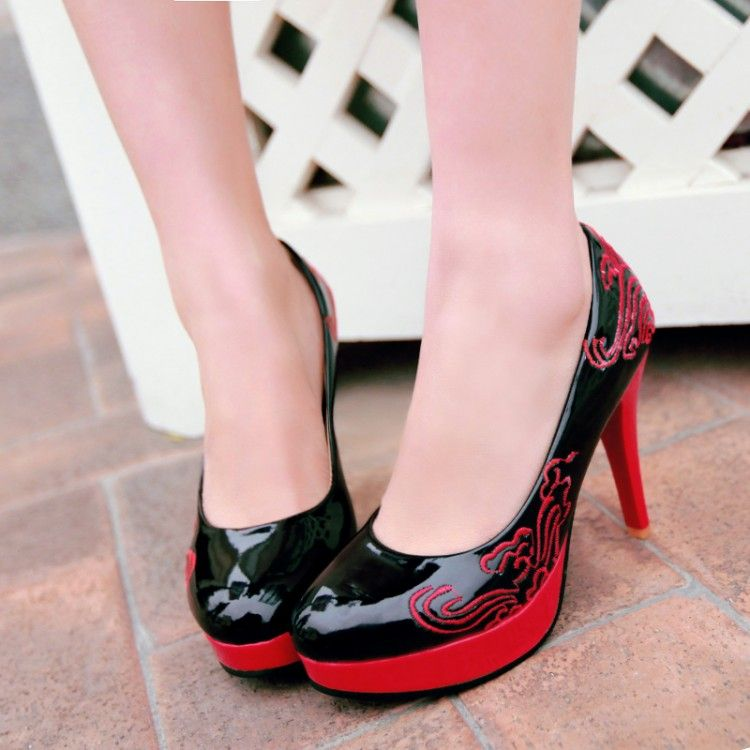 Free shipping women s fashion Chinese style clouds pump heels embroidered  wedding party shoes customized size 30 48HR 01240-in Women s Pumps from  Shoes on ... e09bdee5539a