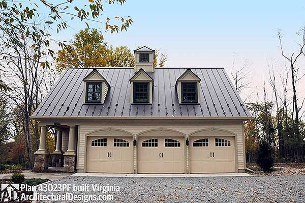 Plan 43023pf picturesque garage apartment carriage for Carriage house plans with apartment