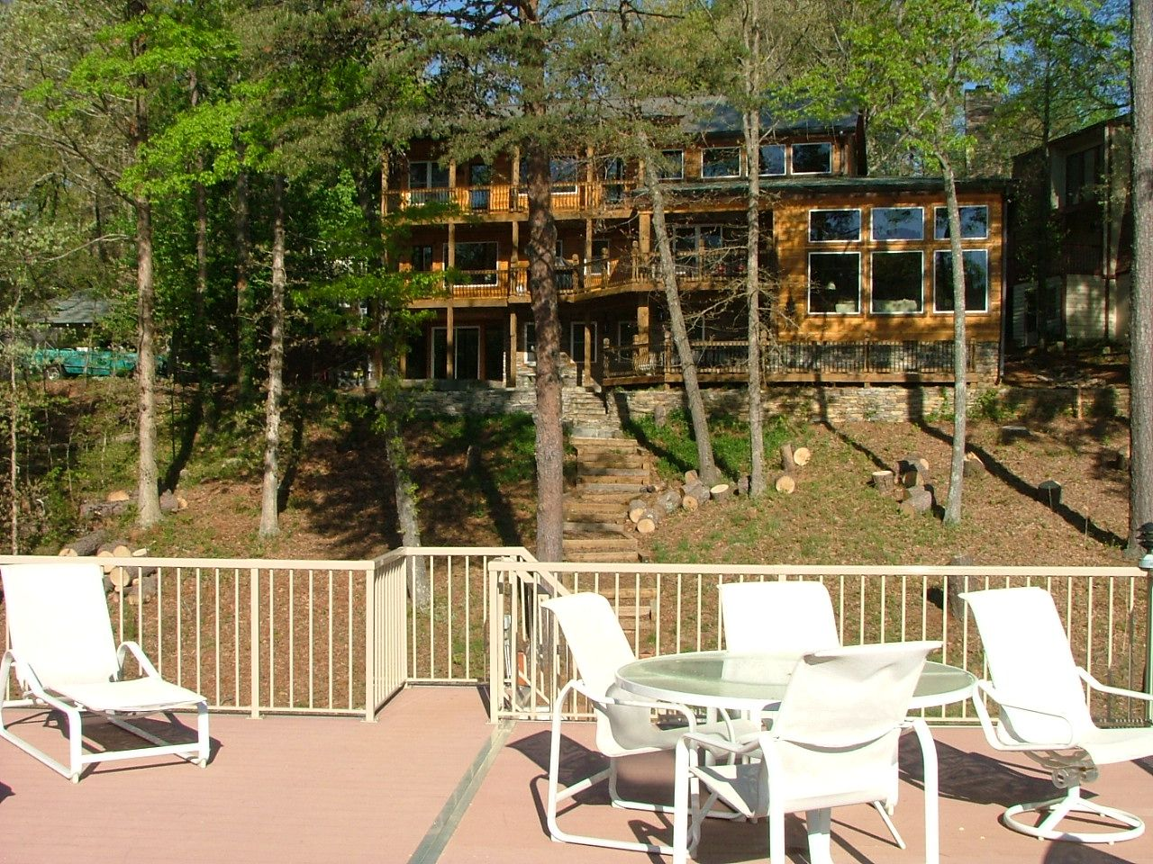 Falcon S Nest Spacious 5 Bedroom Home On Lake Lanier Vacation Home Rentals Vacation Cottage Outdoor Furniture Sets
