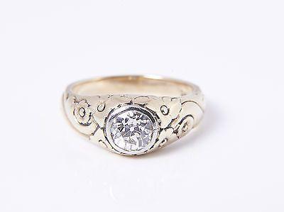 Gebraucht antiker 1,10 Carat SOLITÄR DIAMANT RING um 1900 / GOLD 585 / Wert ca.: 6900 EUR 1,10 Carat SOLITÄR DIAMANT RING um 1900 wunderschöner, feuriger Diamant von imposanter Größe, ein antikes Original ... Bilder, zum vergrößern an... Mehr gibt es auf http://www.gebrauchtplatz.de/produkt/antiker-110-carat-solitaer-diamant-ring-um-1900-gold-585-wert-ca-6900-eur/