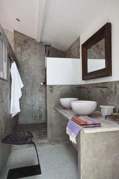 Dans chambre 4 lits la salle de bains dessine une - Chambre en alcove ...