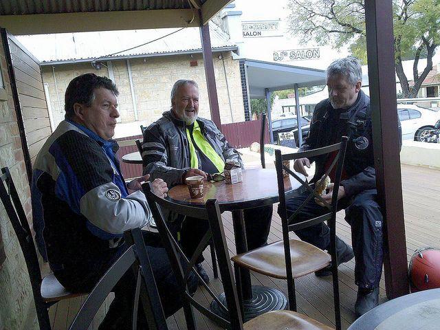Breakfast Day 4 - Waikerie en route Port Augusta #blackdogride