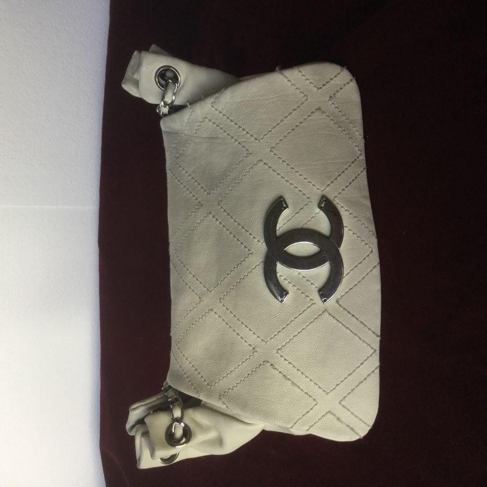 fa15c2c363bb08 CHANEL CLASSIC FLAP MEDIUM ACCORDION HOBO BAG SILVER LOGO in FADED WHITE  LEATHER