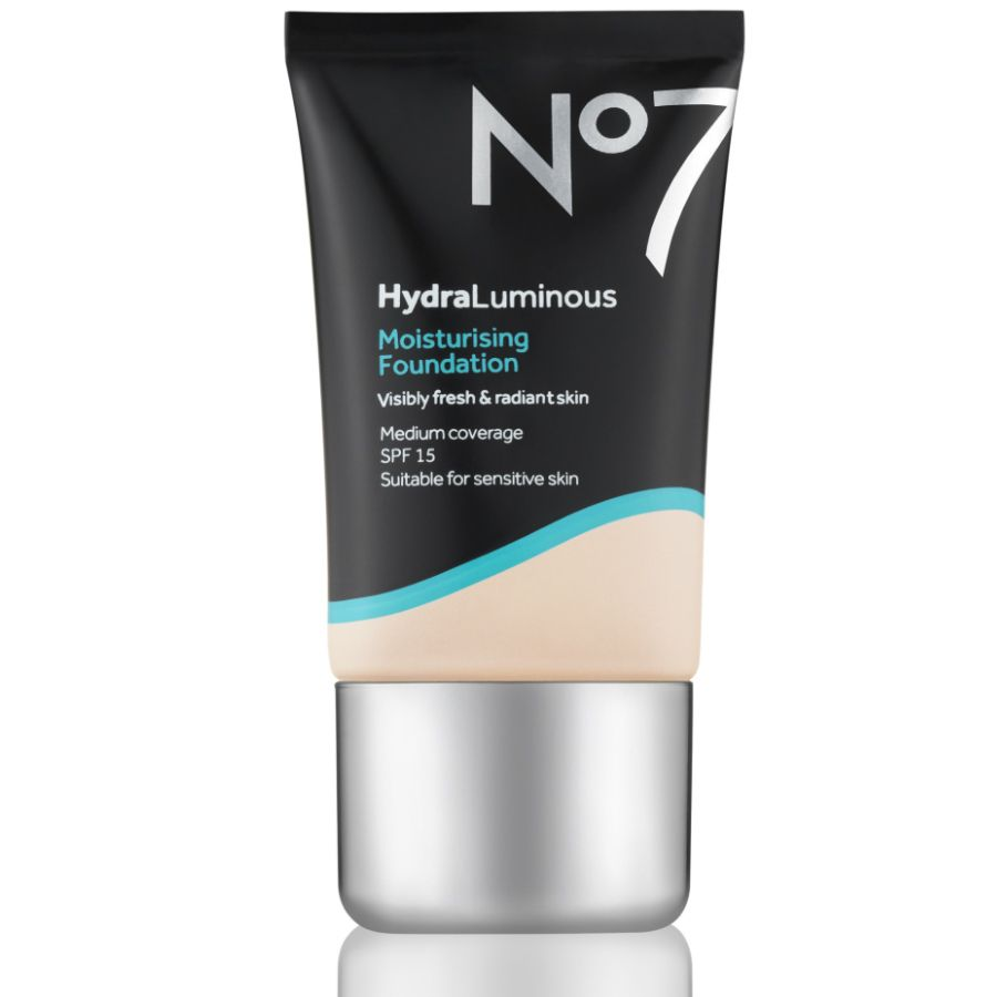 Discover our hydraluminous moisturising foundation shop