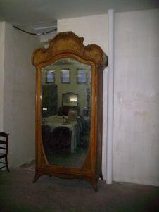Antig edades y restauraci n de muebles armario modernista finales de siglo xix principio de - Muebles el siglo ...