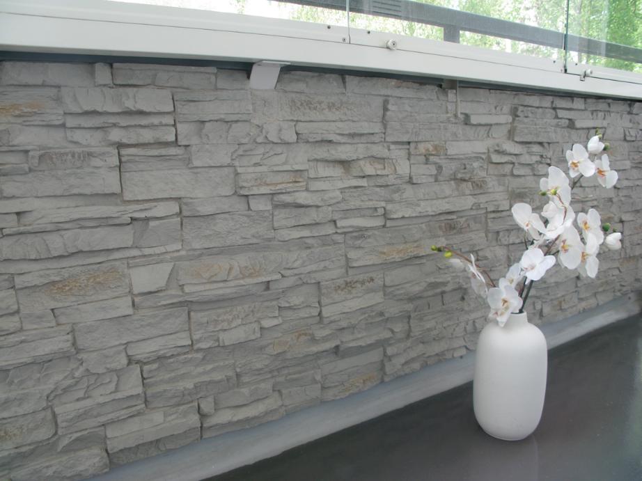 Kivipintaisilla sisustuslevyillä saa aikaan kauniita seinäpintoja kotiin. Klikkaa kuvaa, niin näet tarkemmat tiedot.
