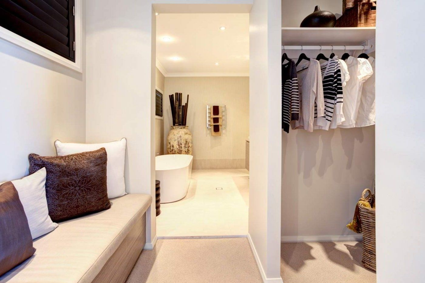 Master bedroom ensuite ideas   Master Bedroom With Ensuite And Walk In Wardrobe  Bedroom