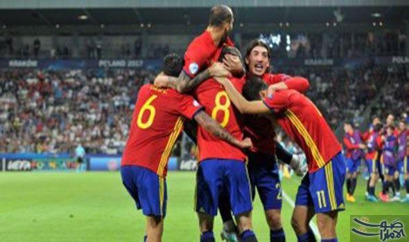 إسبانيا تضيف الثالث فى شباك إيطاليا عن طريق موراتا نجح المنتخب الإسباني فى تسجيل الهدف الثالث فى شباك نظيره الإيطالى لتصبح النتيجة Sports Wrestling Soccer