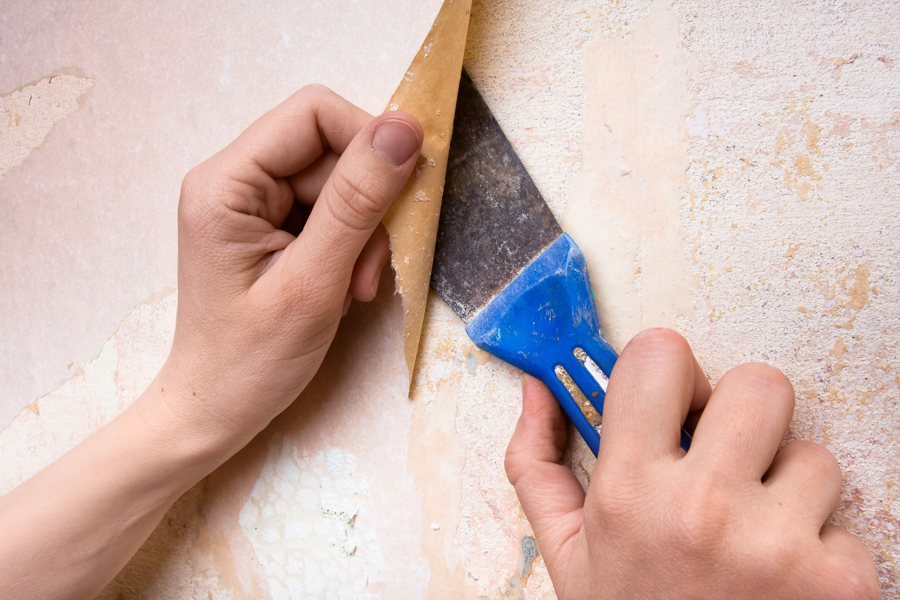 How to remove wallpaper safely from Sheetrock Removable
