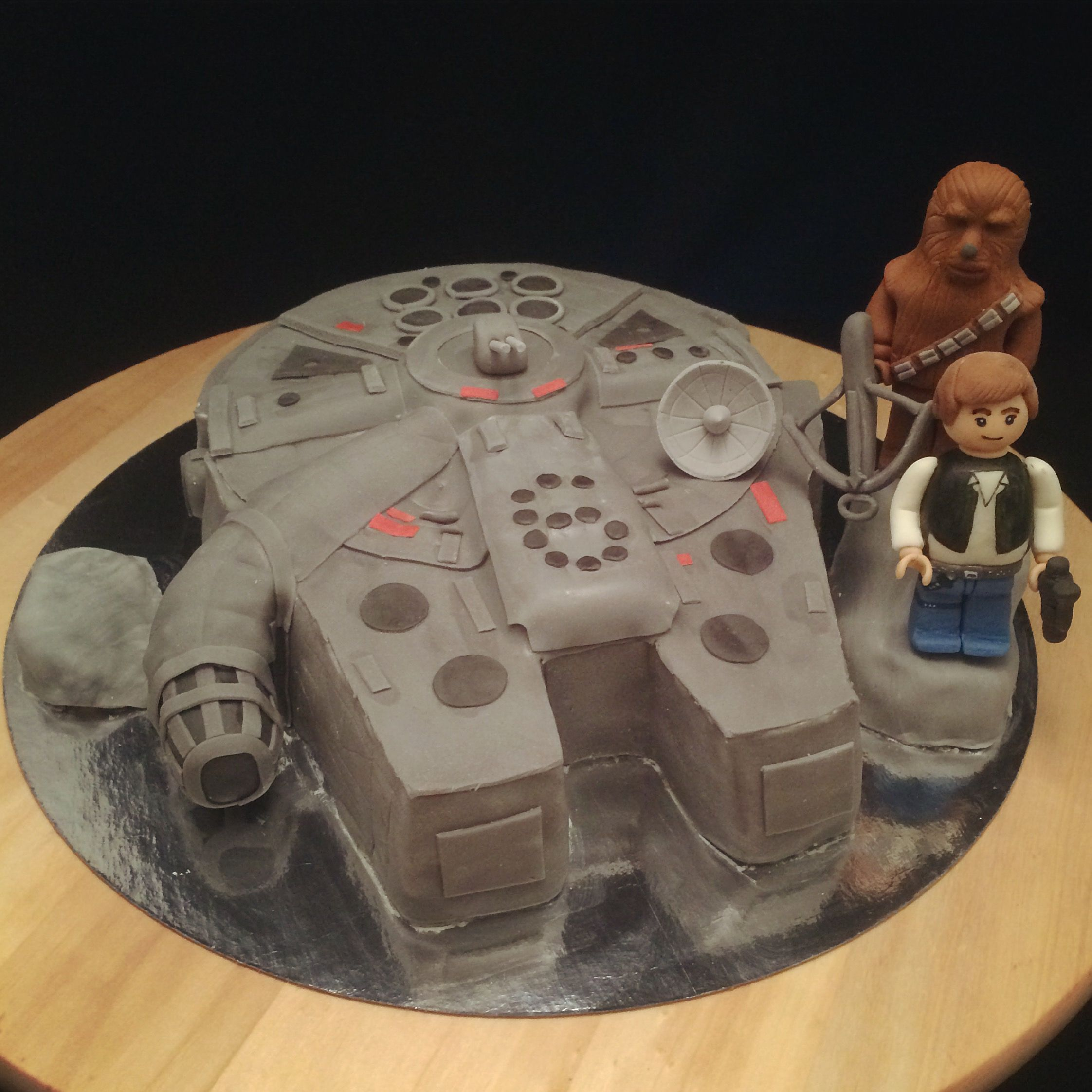 Millennium falcon cake with Chewbacca and Han Solo Lego style