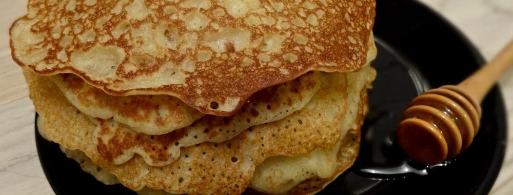 Pancakes sans gluten à la farine de riz et lait végétal en 2020 | Farine de riz, Pancakes sans ...