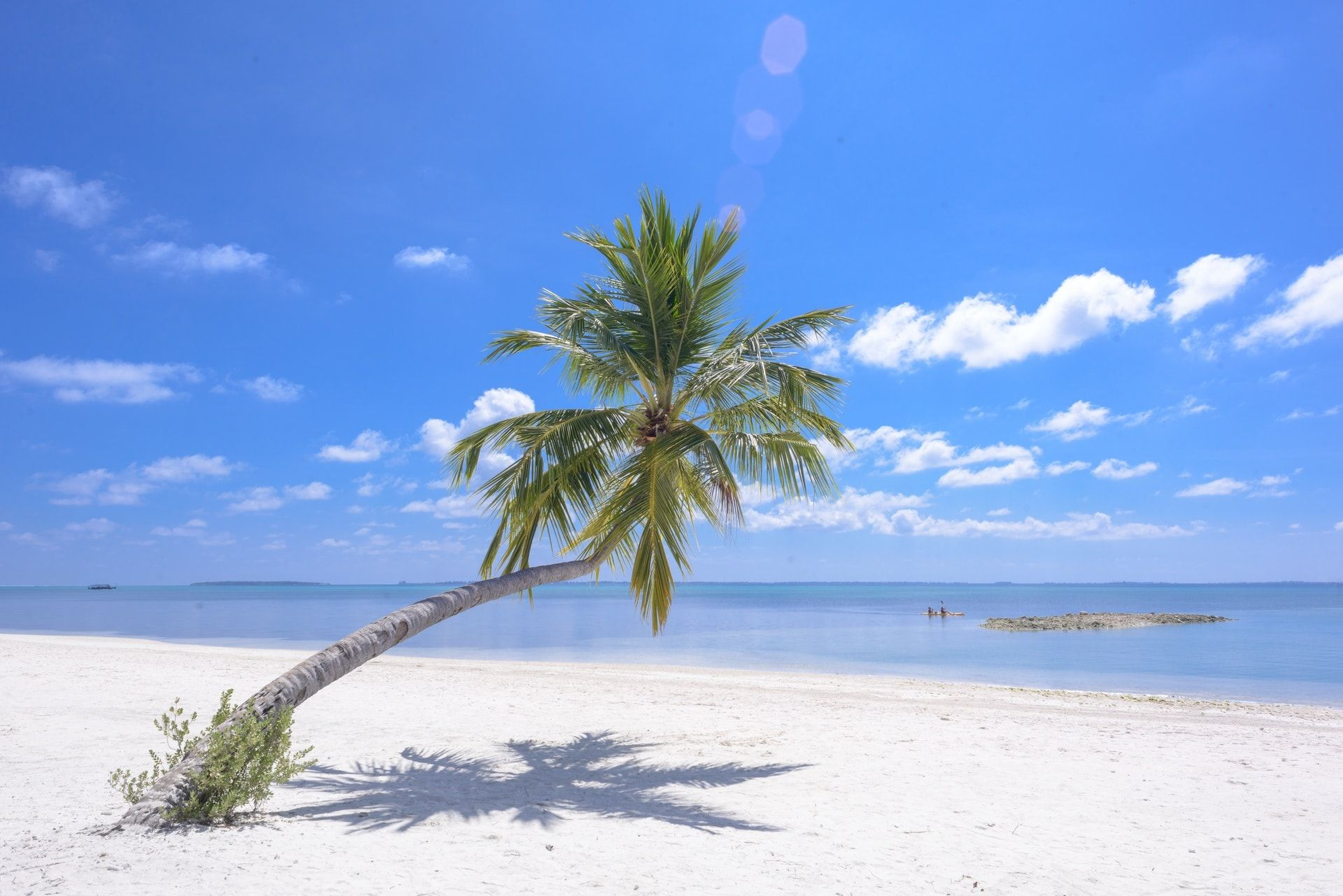 13 Gambar Pemandangan Pantai Yang Indah Dipandang Dengan Gambar