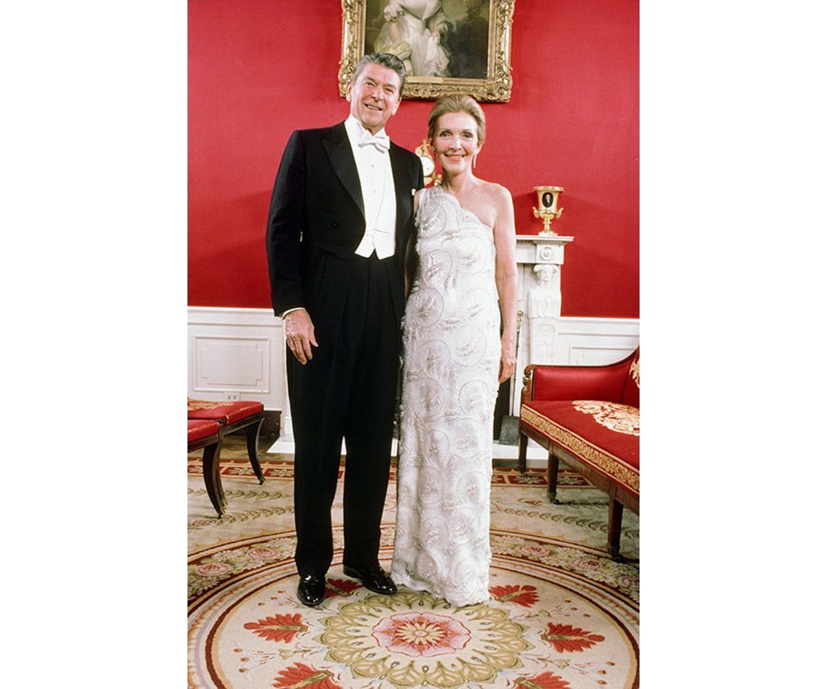 17 photos of the stunning inaugural ball gowns worn by first ...