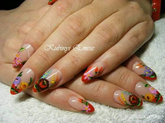 Hungarian folk art on nails. Soooo pretty. Even though I lived there for a year, I didn't know they were so talented in the arts station