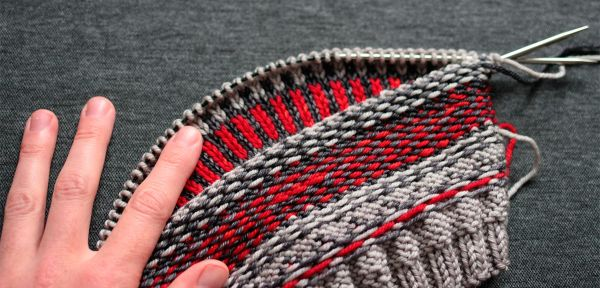 How to knit Fair Isle patterns - tutorial from start to blocking ...