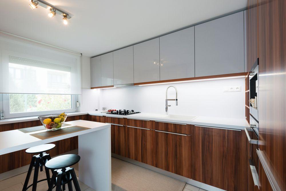 Küche Küchenideen Hochtisch Braun Weiss Holz Modern 70er
