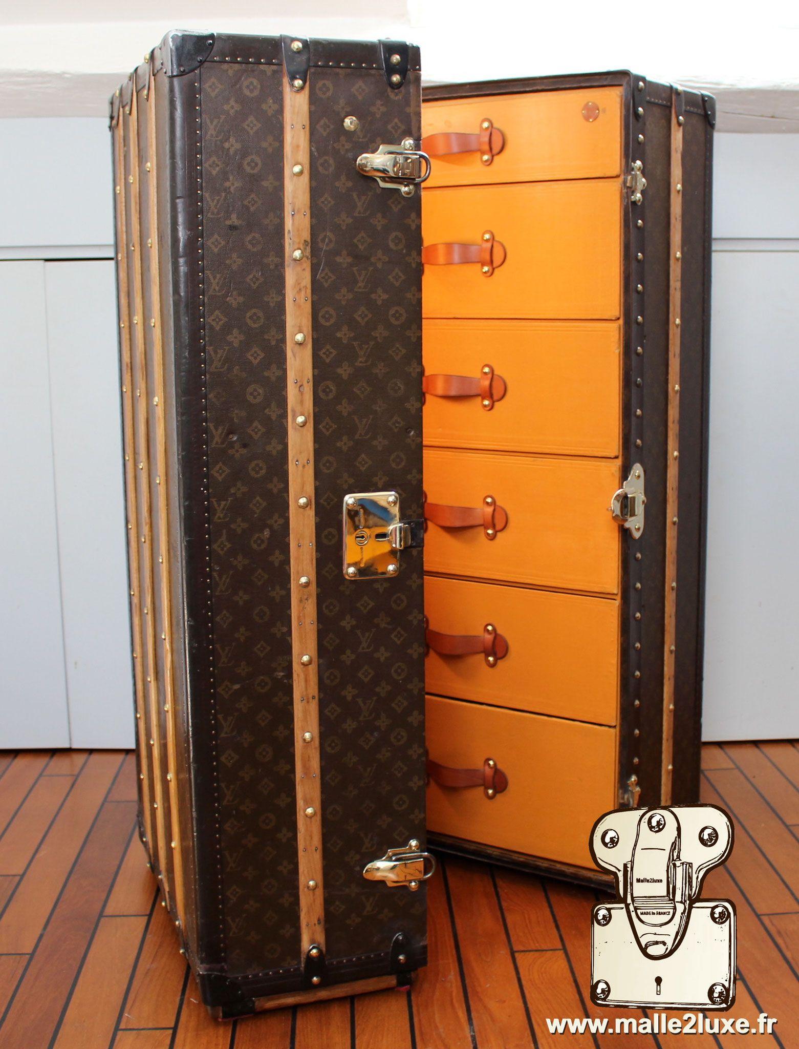 Acheter X2f Vendre Malle Ancienne D 39 Occasion Louis Vuitton Goyard Moynat Hermes Ancienne Restauration Paris Malle Malle Ancienne Malle Malle De Voyage