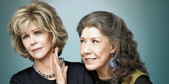 LA REVISTA Grace & Frankie: dos mujeres de bandera ... - http://www.vistoenlosperiodicos.com/la-revista-grace-frankie-dos-mujeres-de-bandera/