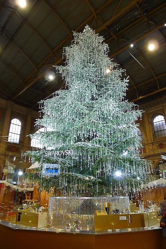 Swarovski Crystal Christmas Tree At Zurich S Christmas Markets Swarovski Christmas Swarovski Christmas Tree Unusual Christmas Trees
