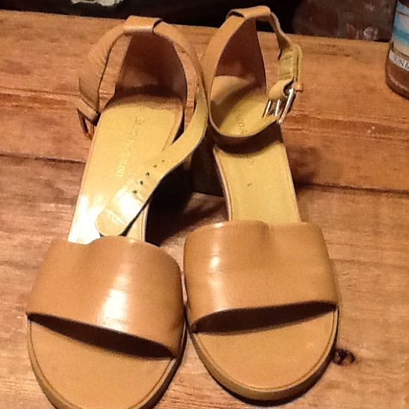 Sandals With Chunky Heel. Enzo Anglini