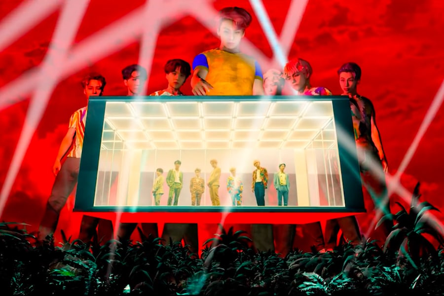 Bts S Idol Mv Smashed Their Own Record As It Surpassed 10 Million Views Bts Made A Comeback On August 24 At 6 P M Kst With Their Bts Bts Love Yourself Idol
