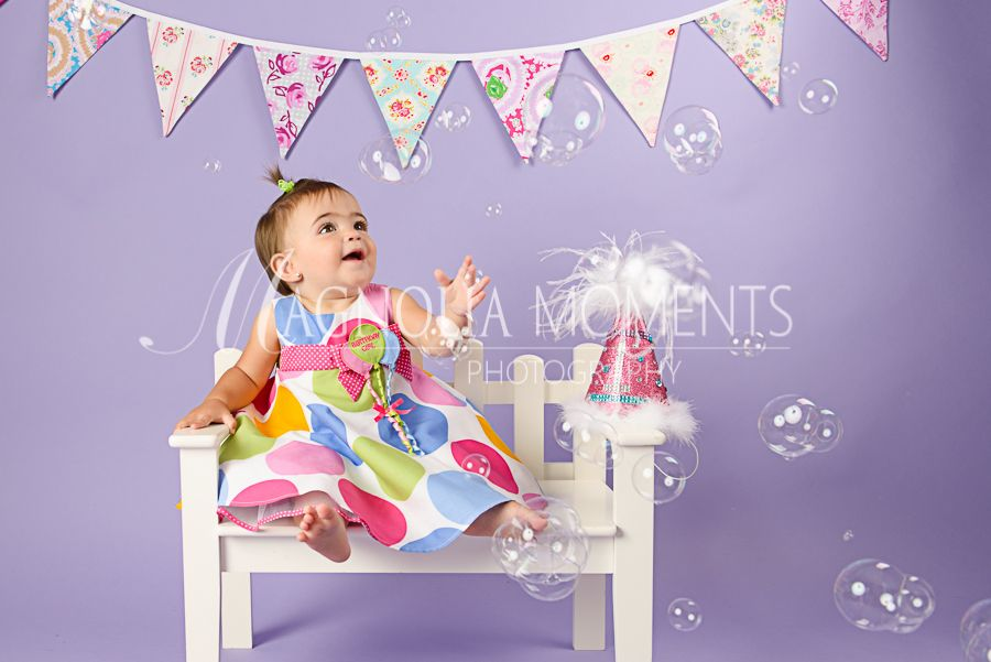 Babys 1st Birthday Photo Shoot Ideas Bubbles Are Always So Cute