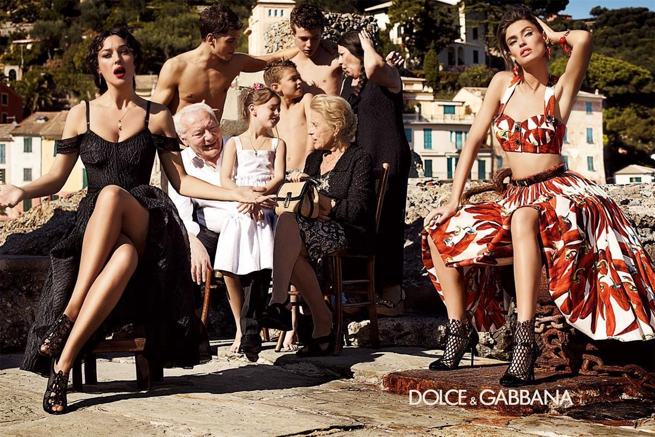 558deb96e807 Dolce e Gabbana - Italian family (Starring Monica Bellucci and Bianca Balti)