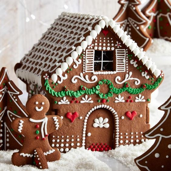 100 Gingerbread House Ideas to give your Christmas Party a Delicious Dose of Happiness - Hike n Dip