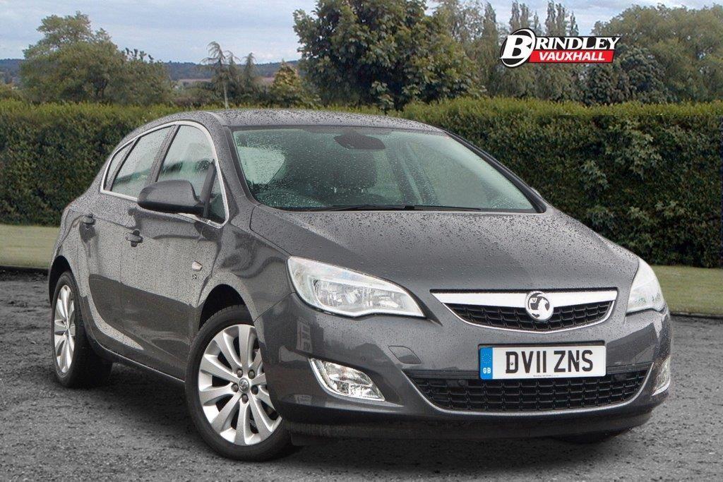 Make Vauxhall Model Astra Elite Miles 41,056 Price £