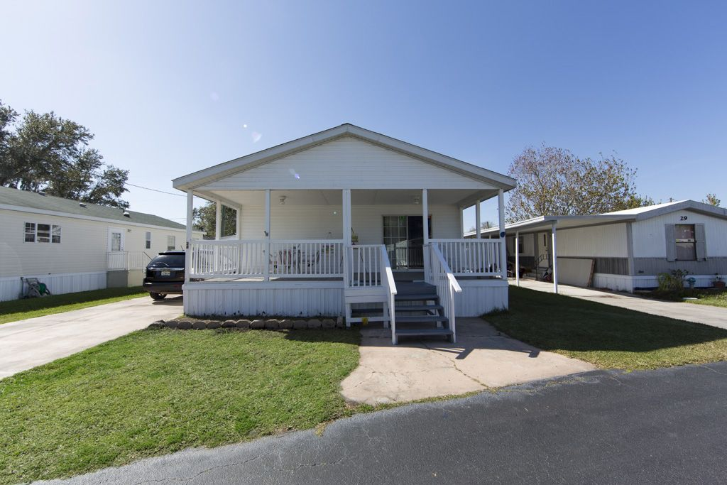2006 SCOTBILT Mobile / Manufactured Home in Kissimmee, FL