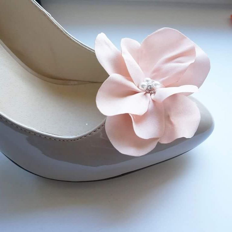 W Jakich Kolorach Chcialybyscie Model Delicate Flower Coquet Shoeclips Klipsydobutow Bridesmaid Kwiaty Kwiat Ozd Ribbon Slides Shoe Clips Baby Shoes