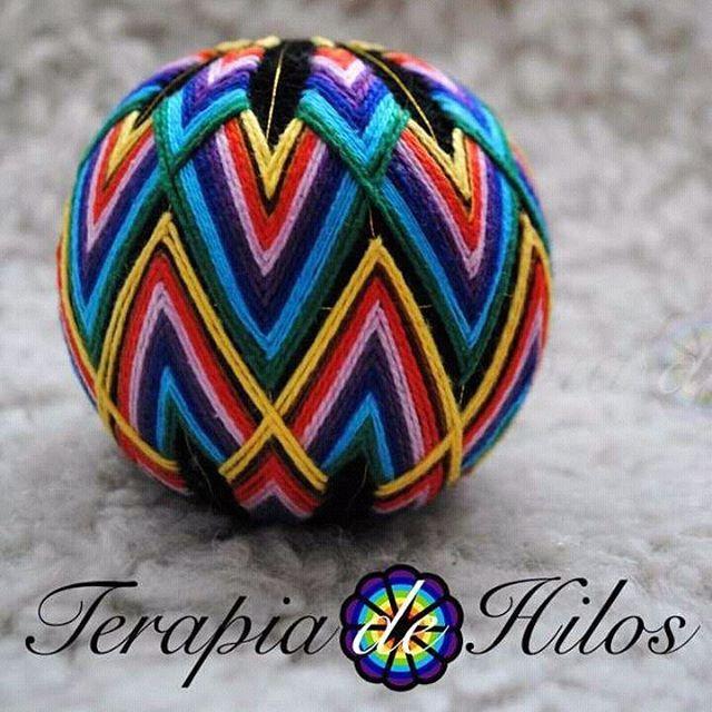 Rainbows make my heart sing! #terapiadehilos #temariball #temariballs #embroidery #embroidered #handmade #homedecor #etsy #etsysellers #craftfinder #etsyshop #etsyseller #etsysellersofinstagram #rattle #craft #rainbow #temari