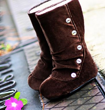 Toddler boots, really!!  I would buy these for me...cute!