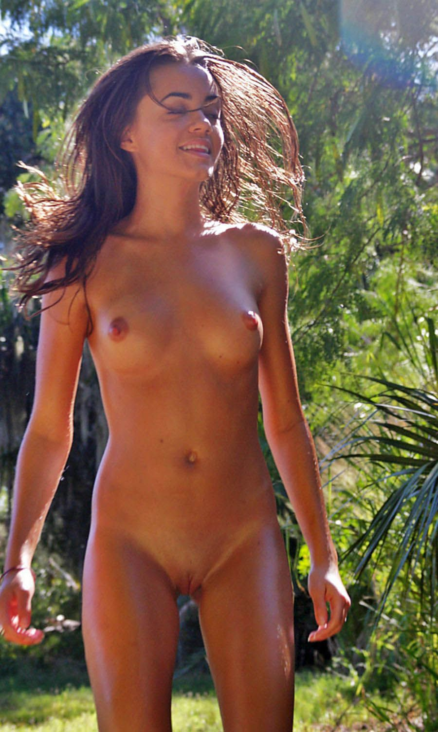 nudist beach girl