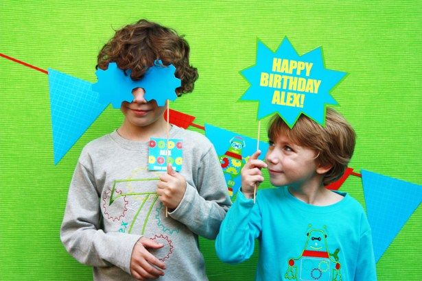 The-Celebration-Shoppe-Robot-Birthday-Party-Photo-Prop-1215-sm