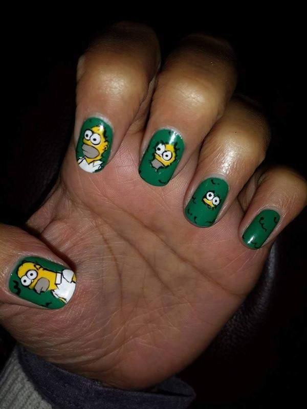 Homer Disappears Into The Hedge Nails | Beauty and the Geek ...