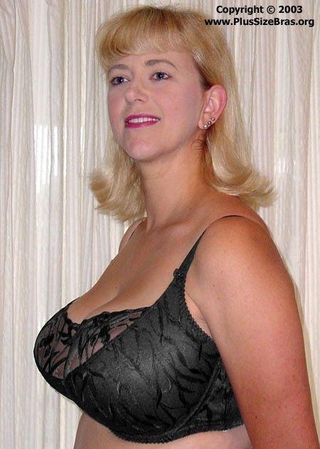Busty blonde bra model