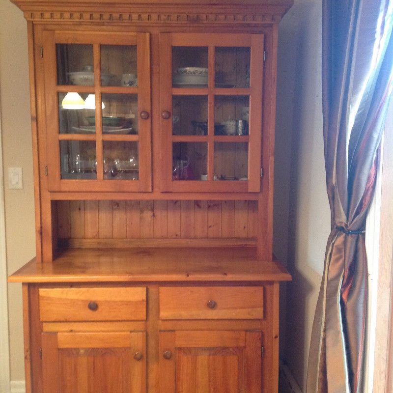 Beautiful Solid Pine Dining Room Hutch