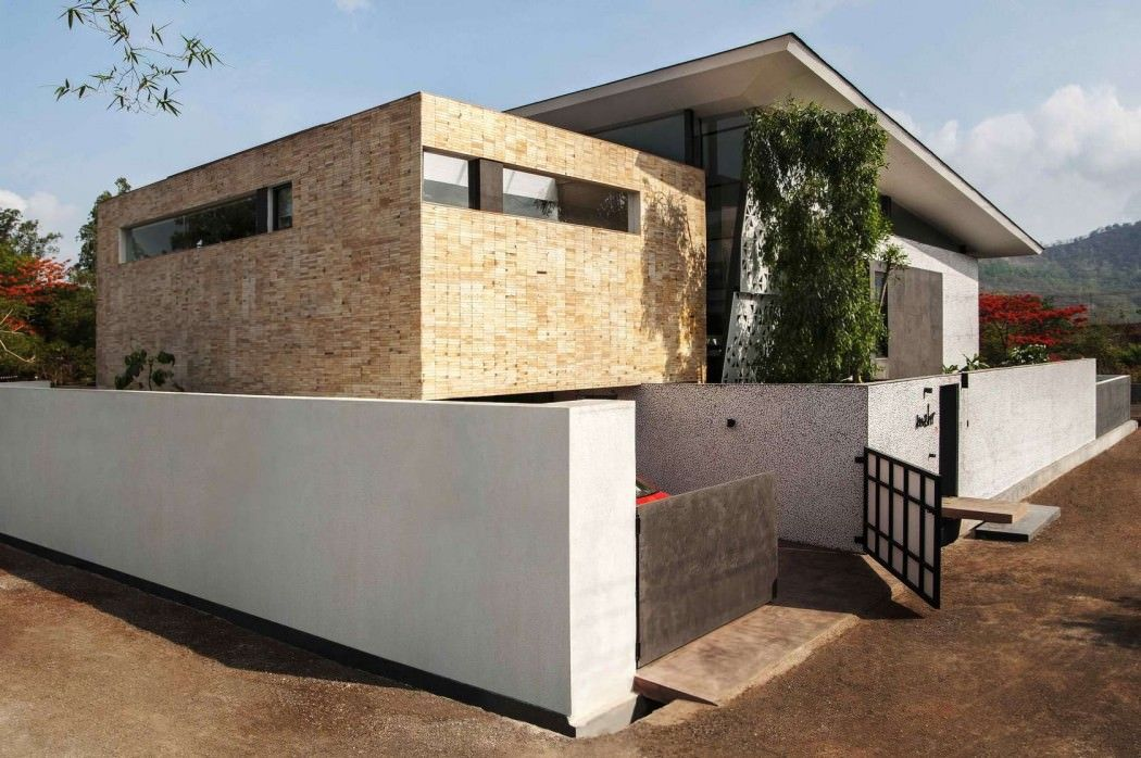 Mehr House by Krishnan+Parvez+Architects