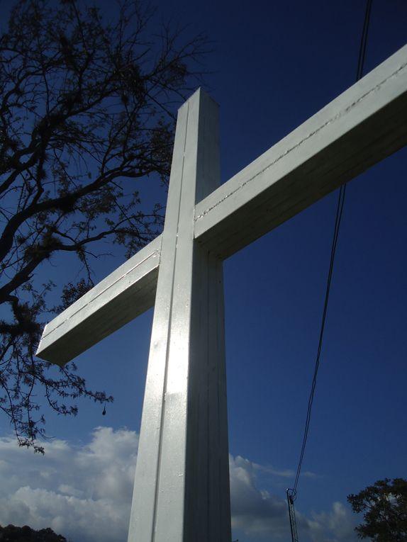 Bueno cierro este recorrido con lo mas representativo de los cementerios, las cruces