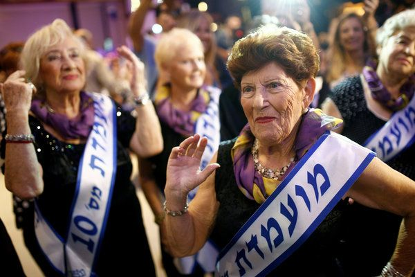 Holocaust Survivors Rock The Runway In Israel Beauty Pageant - http://diariojudio.com/noticias/holocaust-survivors-rock-the-runway-in-israel-beauty-pageant/218265/